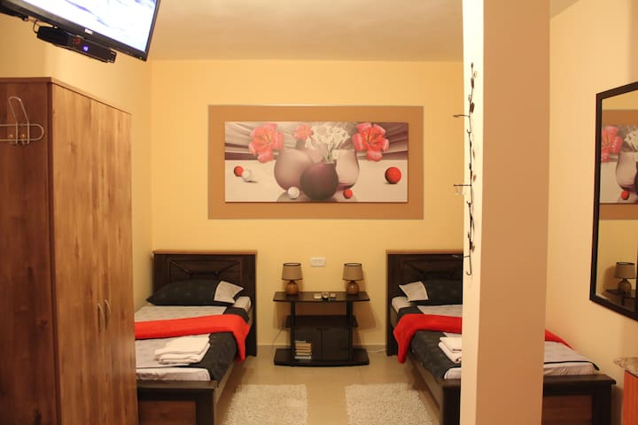 Dead Sea Sun - Twin Room - Arad - Bed & Breakfast