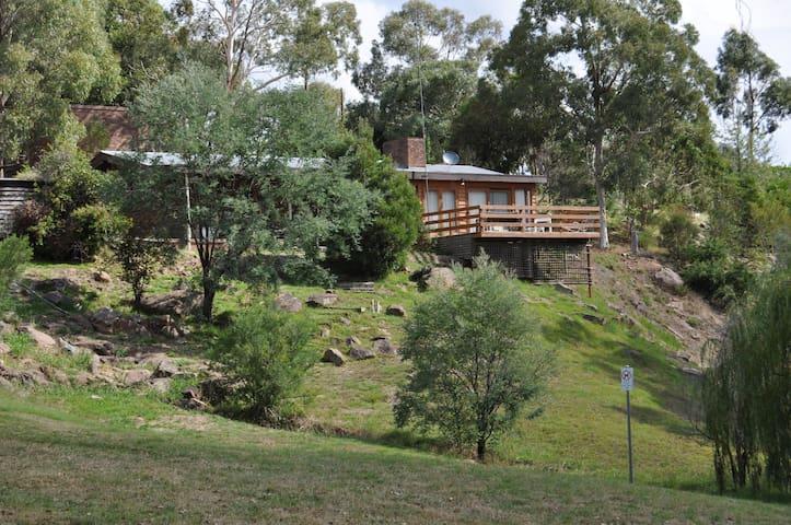 Jock's Lodge - Merrijig - Casa