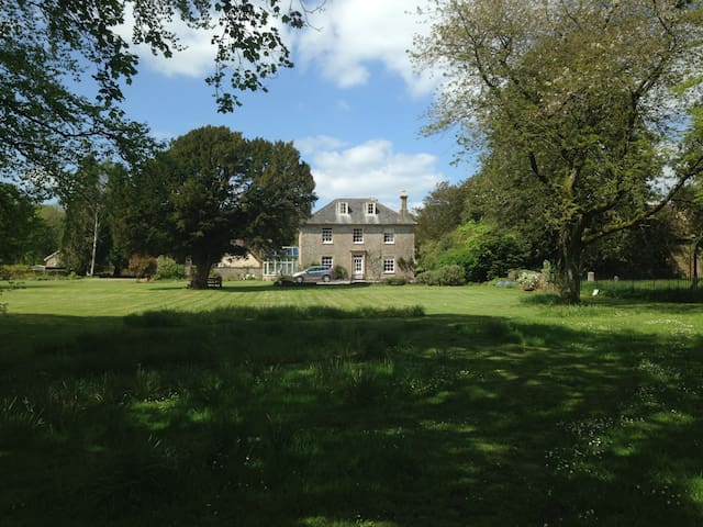 The Old Rectory, Chilfrome, Dorset - Chilfrome
