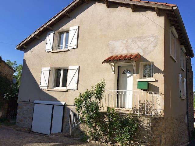 Maison de village proche Millau - Roquefort-sur-Soulzon - Maison