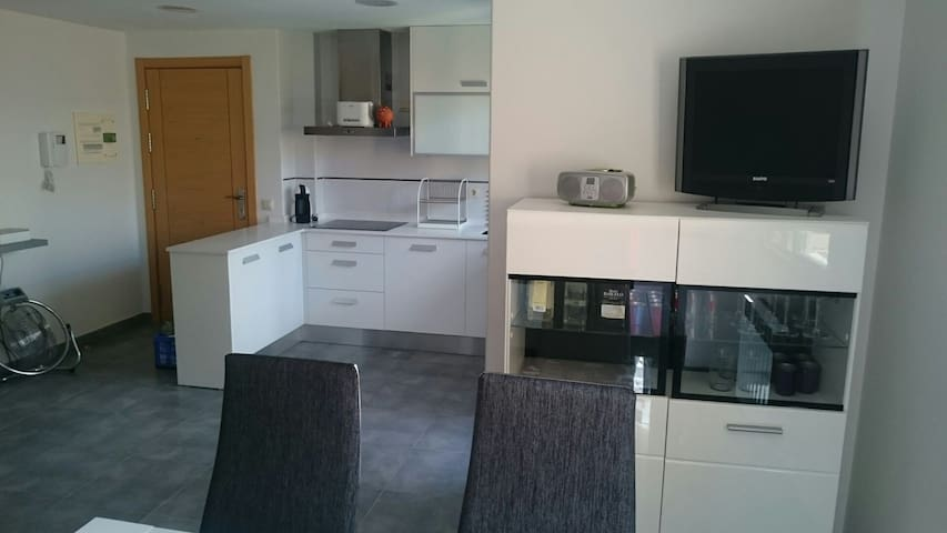 Moderno apartamento con terraza - Logroño, La Rioja, España - Appartement