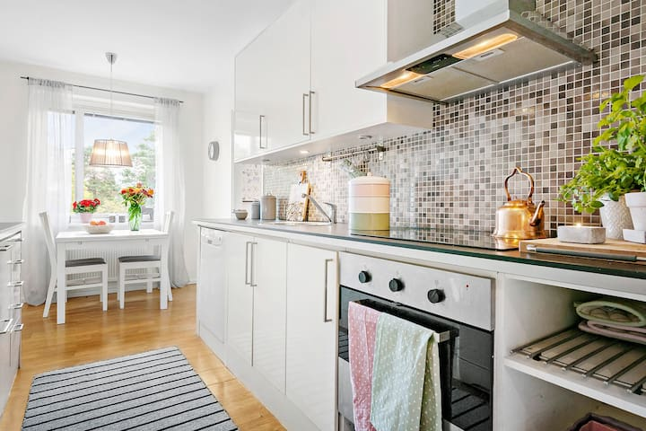 Cosy Appartement Near Accomodation - Stockholm - Bed & Breakfast