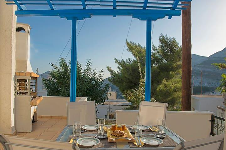 Nafsika's & Ntinos' (N&Ns) Home - Apeiranthos - Huis