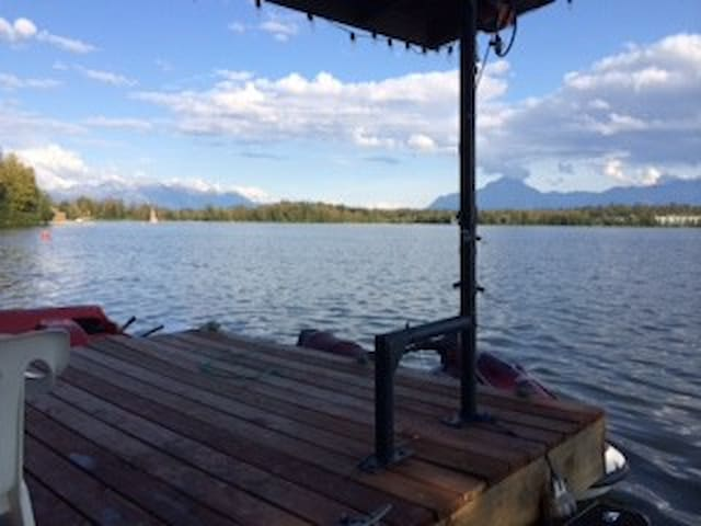 Comfy Lakefront Queen Room with possible 2nd room - Wasilla - Bed & Breakfast