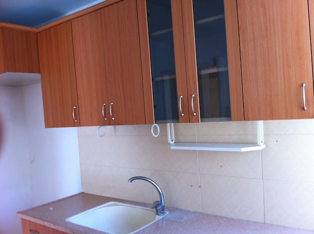 Low-cost quiet place 5min from Central bus station - Yokne'am Illit - Apartamento