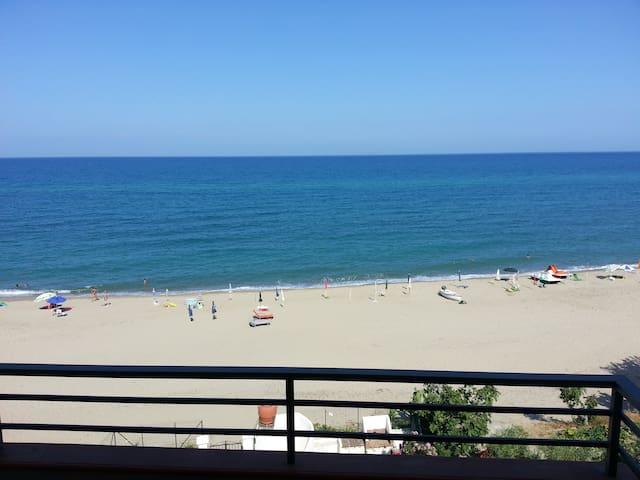 casa vacanze fronte mare - Tronca
