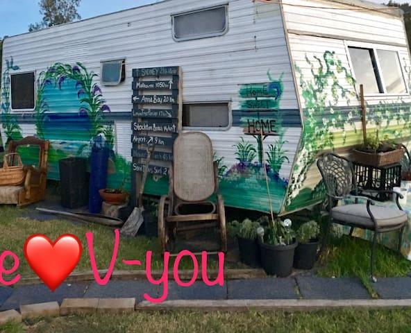 Love V-you Port  Stephens Farm BnB - Corlette - Casa