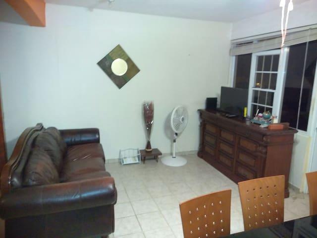 Casa entera, 2/1, fresco, cómoda y+ - Vega Alta - Casa