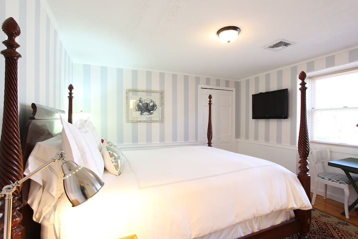 Luxurious & Comfortable Queen Room in B&B - Tisbury - Bed & Breakfast