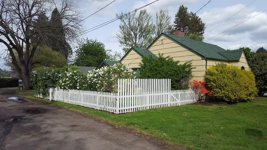 Knowles residence - Hillsboro - Bungalow