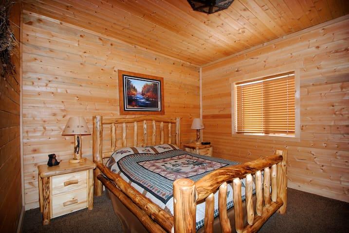 Rustic Cabin Getaway Large Cabin - Coalville - Cabaña