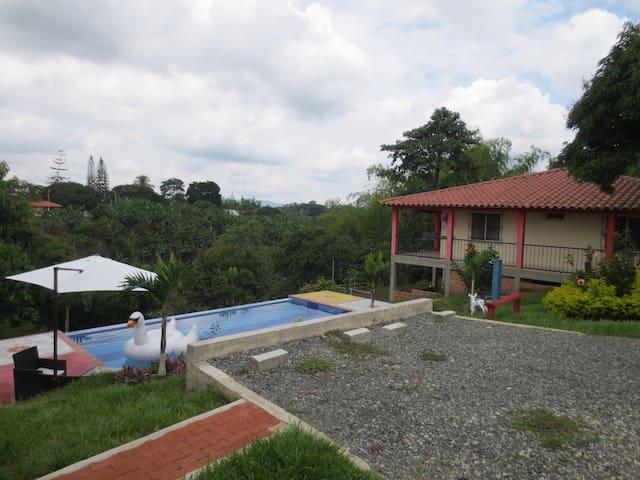 Finca Campestre close to everything - Pereira - Villa