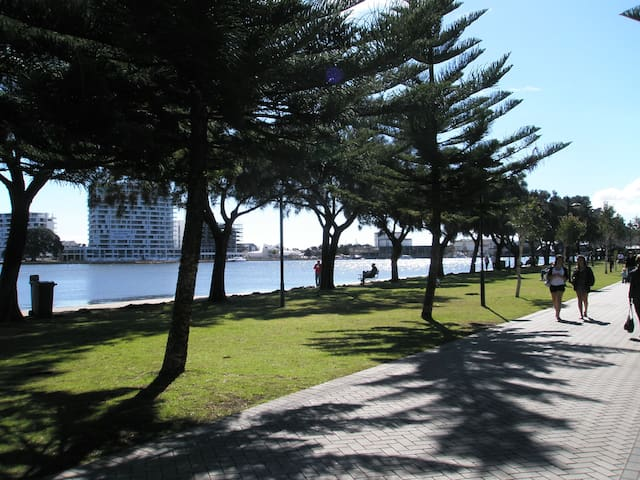 Mandurah Central - Dudley Park - Leilighet