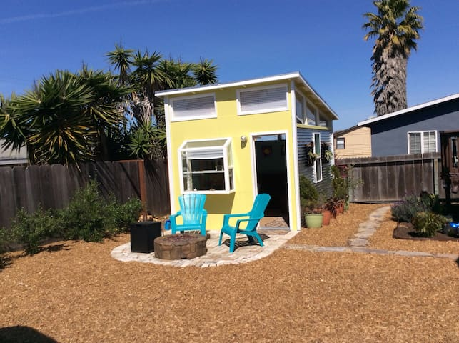Modern Seaside Tiny House - Seaside - Inny