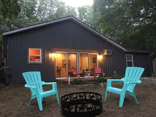 Secluded and Private 1 Bedroom Camp Retreat - Fennville - Konukevi