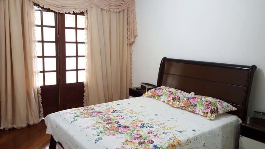 Casa ampla no centro de Domingos Martins - Domingos Martins - Hus
