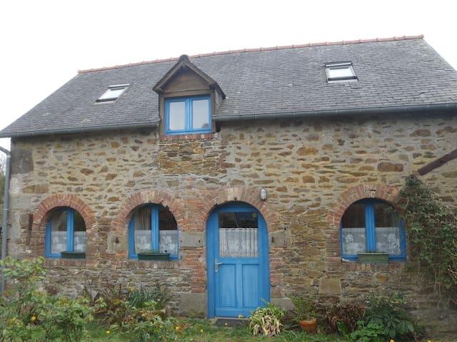 Maison proche bord de rance / côte d'émeraude - Le Minihic-sur-Rance - Дом