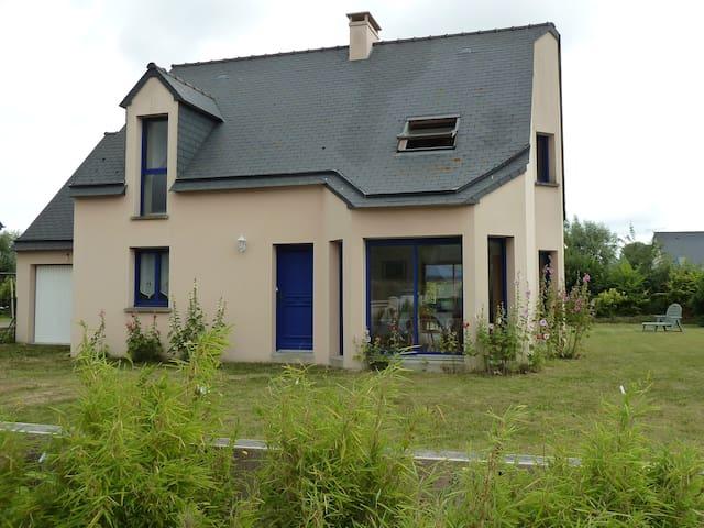 Maison lumineuse au calme - Cherrueix - Huis