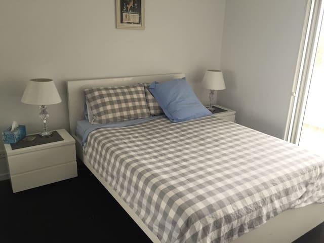 Convenient location, new apartment! - Bruce - Huoneisto