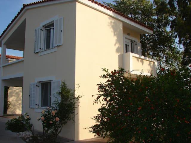 family apartment cloese to the sea - Pythagoreio - Apartamento