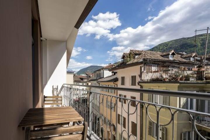 CAPITOL ROOMS deluxe single balcony - Bolzano - Bed & Breakfast