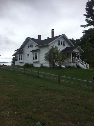 Secluded Harb Cottage on the ocean - Freeport - Hus