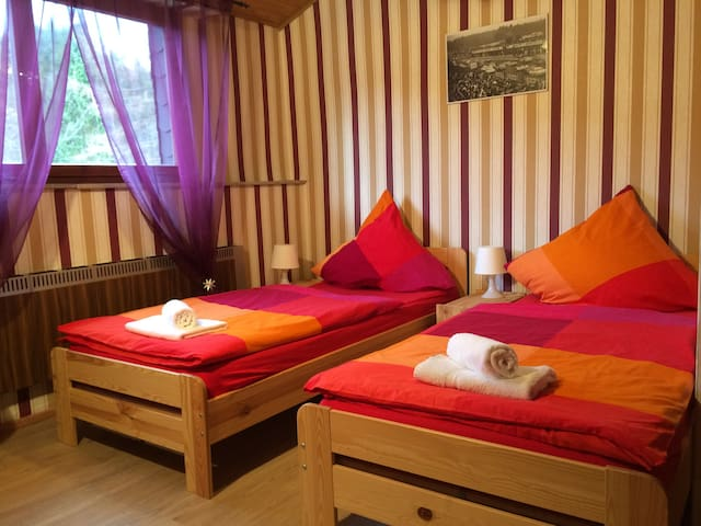 Franky house am Nürburgring - Quiddelbach - Bed & Breakfast