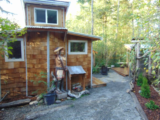 micro cabin in the woods - 安吉利斯港(Port Angeles)