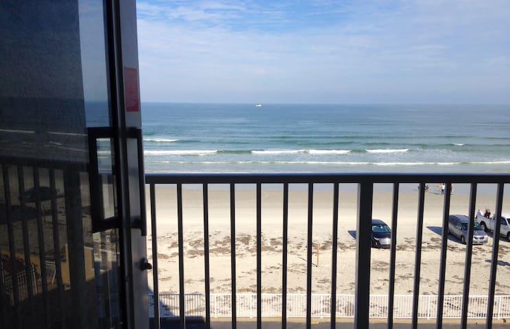 OCEANFRONT BALCONY, A/C, PKG, WI-FI, CHEAP&CLEAN ! - Daytona Beach - Departamento
