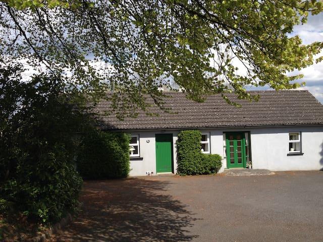 Scregg Cottage Delightful Farm Stay - Carrick on Shannon - Maison
