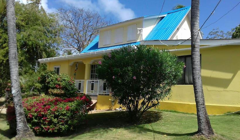 House of the sun hostel - San Andrés - Ev