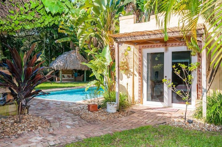 Acogedor cottage con encanto - Biscayne Park - Casa