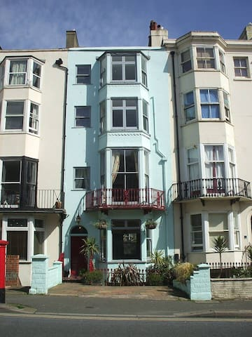 Double Room, Ensuite WC and Shower, Seafront 150m - Brighton