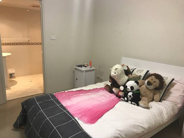 Double Room with  Breathtaking view in Hurstville - Hurstville - Apartamento