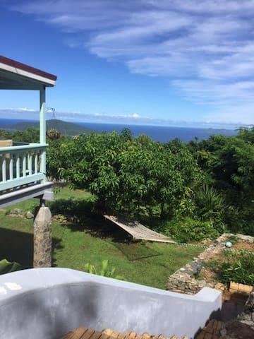 Private Garden Retreat near Magens Beach - Northside - 一軒家