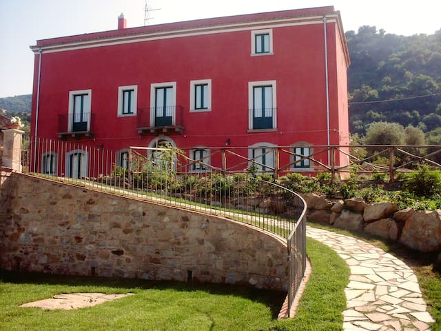 Apartment in a villa with pool - Librizzi - Leilighet