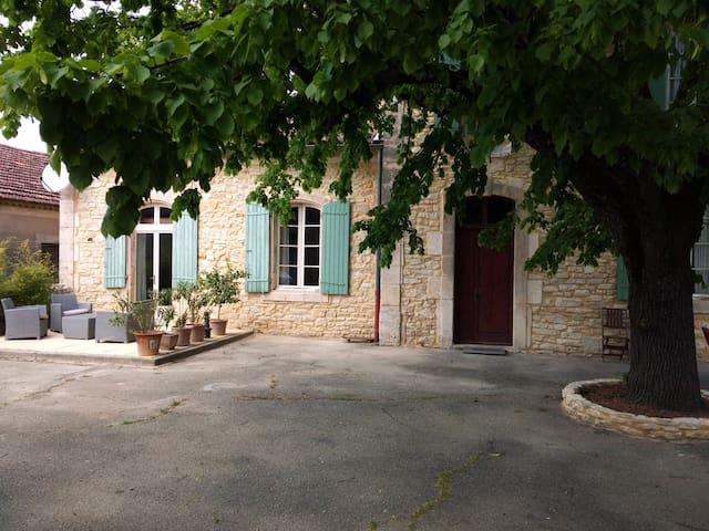 L'Olive  Ancienne école renovée - Orgnac-l'Aven - 一軒家