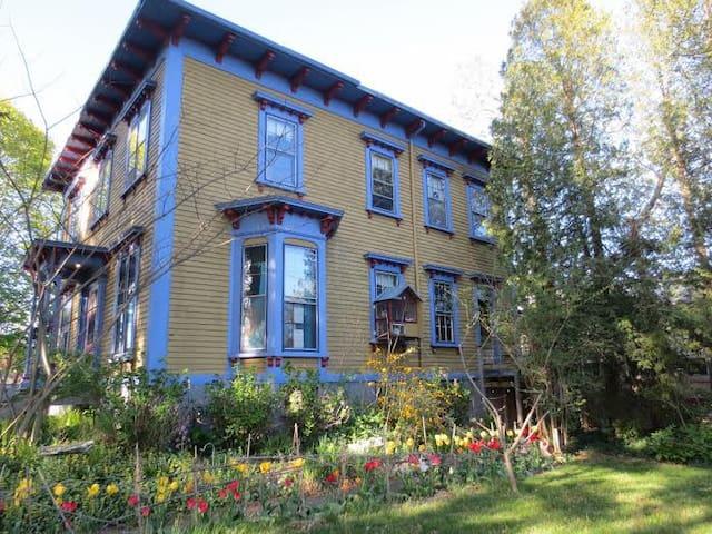 George Cole House - Warren - Wohnung