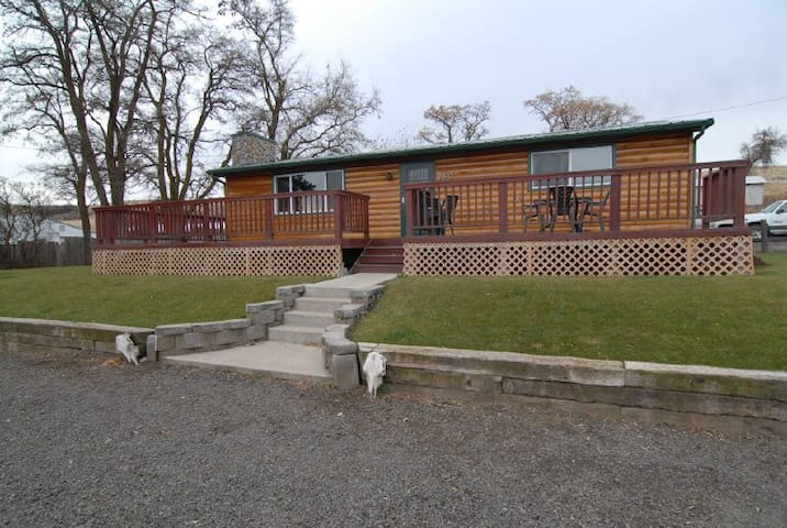 Miller Ranch - Cheney - Houten huisje