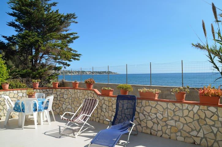 Villa sul mare  - Punta Milocca