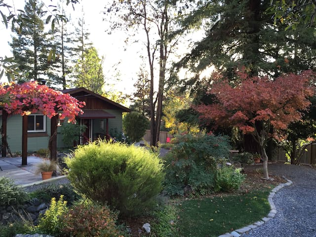 Northern Alexander Valley 2Bd Cottage - Cloverdale