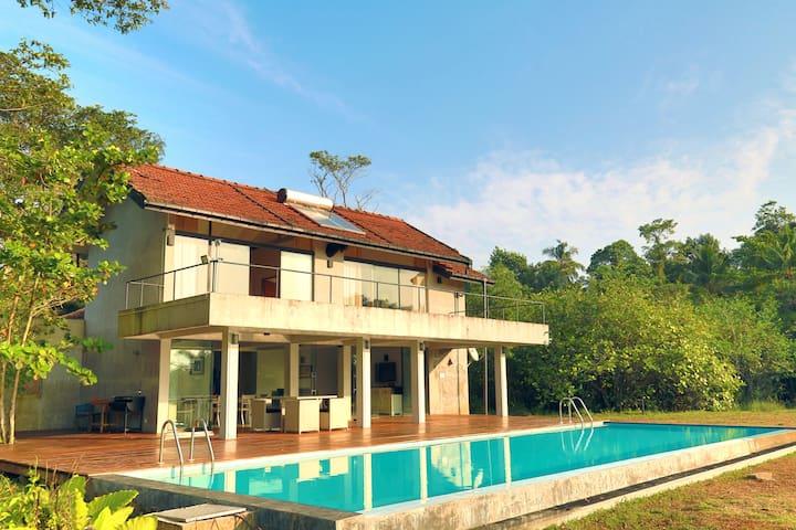 THE LAKE HOUSE - Panadura - Rumah