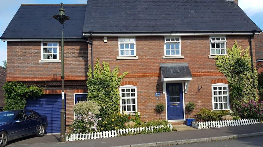 Double room in quiet location in Billingshurst - Billingshurst - Casa