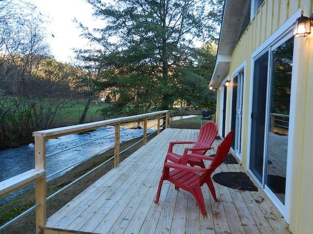 Valley Creekside Cottage - Ellijay - Rumah