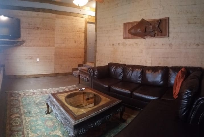 Nice, clean, furnished apt in Cotton District! - Starkville