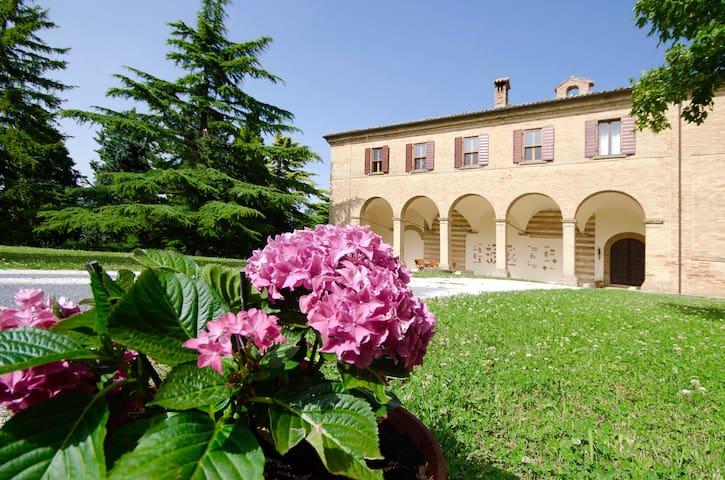 Deluxe Suite inside an Historical Mansion - Rimini - Vila