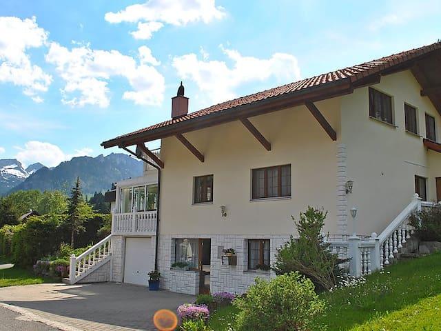 Grosszügiges Ferienhaus im Schwarzsee - Plaffeien - Hus