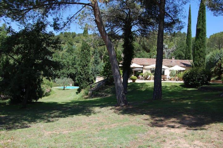 Maison en Provence, Aix-en-Provence - Le THOLONET - Le Tholonet - Rumah