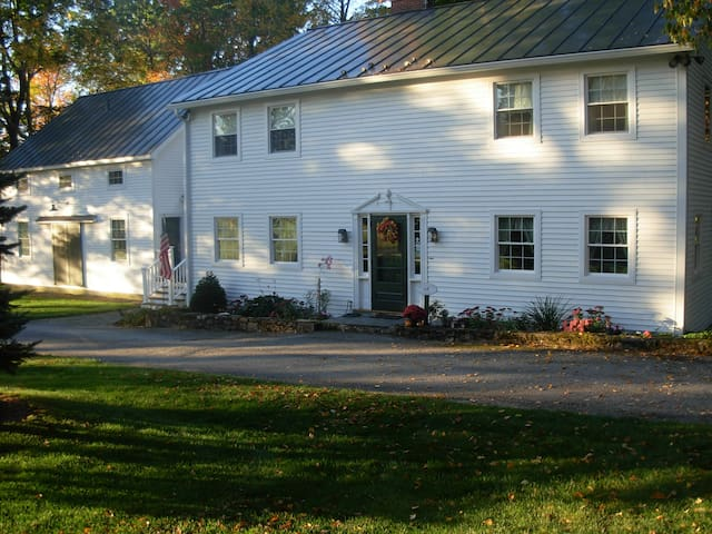 Country Farm Bed and Breakfast - Shaftsbury