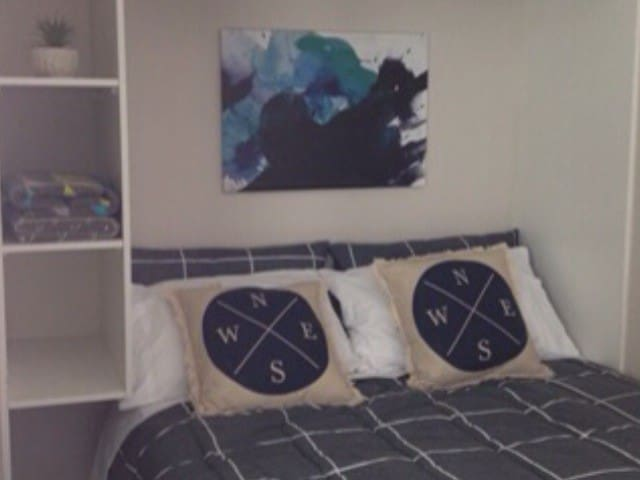 AMAZING BRAND NEW BACHELOR STUDIO - Northmead - Bed & Breakfast